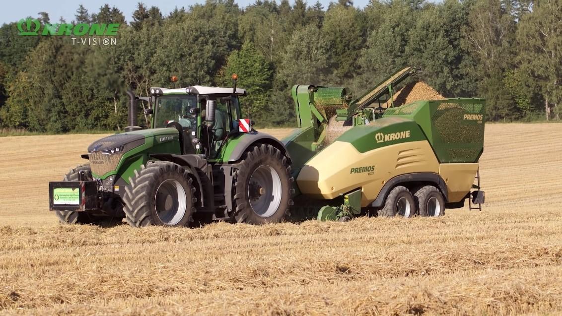 Tracteur Krone dans un champ